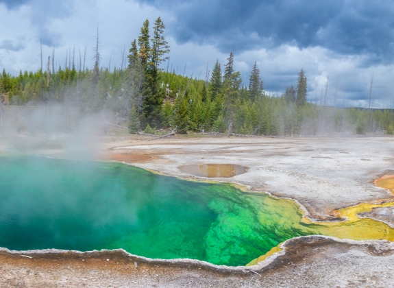 west thumb geyser at yellowstone national park