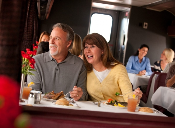Couple Dining Car Amtrak